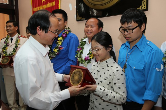 Gương mặt trẻ Việt Nam tiêu biểu báo công Vua Hùng ảnh 3
