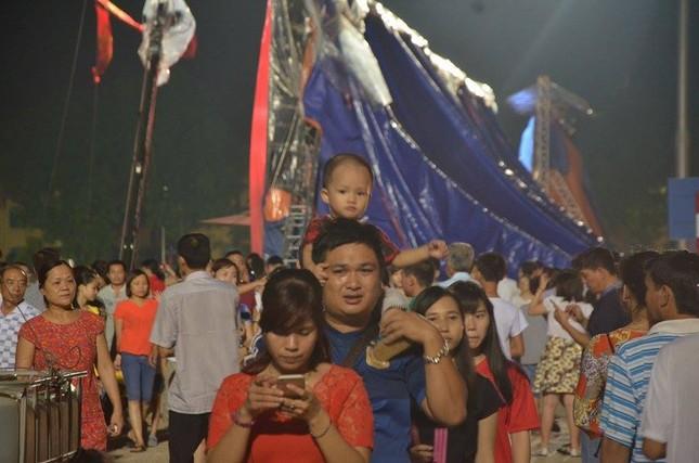 Người dân náo nức đêm trước lễ diễu binh, diễu hành ảnh 5
