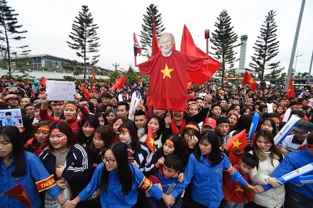 Thủ tướng: U23 Việt Nam đã vô địch trong 90 triệu con tim ảnh 54