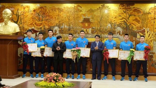 Hà Nội khen thưởng 9 tuyển thủ U23 Việt Nam ảnh 2