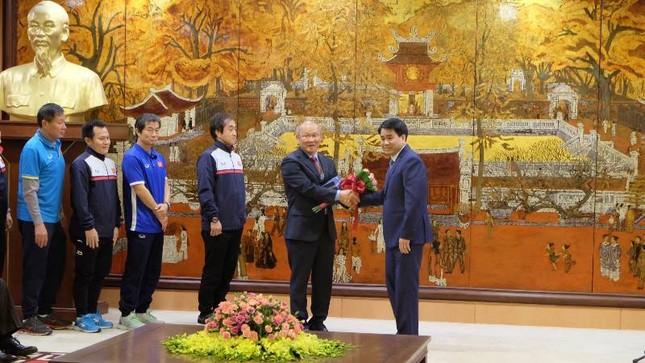 Hà Nội khen thưởng 9 tuyển thủ U23 Việt Nam ảnh 1