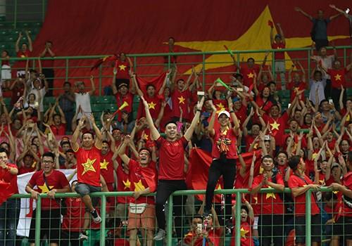 Doanh nghiệp tung khuyến mại mừng tuyển bóng đá Olympic Việt Nam ảnh 1