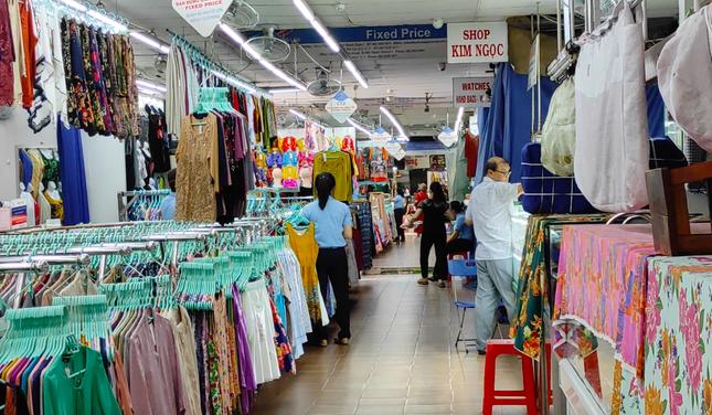 Nhiều điểm du lịch ở Sài Gòn vắng khách sau dịch COVID-19 ảnh 2