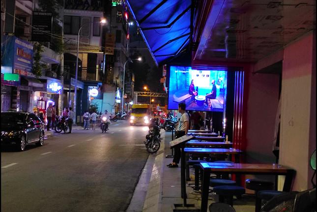 Nhiều điểm du lịch ở Sài Gòn vắng khách sau dịch COVID-19 ảnh 7