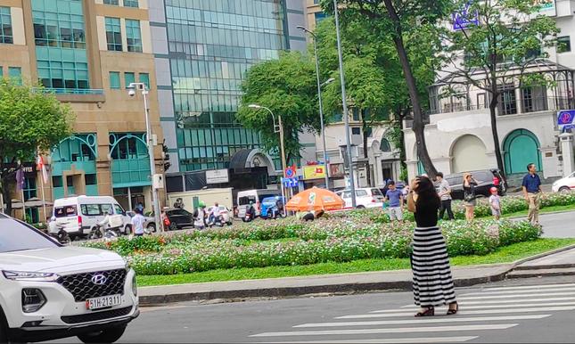 Nhiều điểm du lịch ở Sài Gòn vắng khách sau dịch COVID-19 ảnh 8