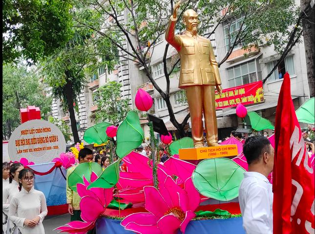 Tết Nguyên tiêu người Hoa ở quận 5 nhận Bằng Di sản văn hóa phi vật thể quốc gia ảnh 2