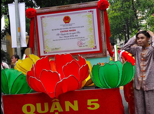 Tết Nguyên tiêu người Hoa ở quận 5 nhận Bằng Di sản văn hóa phi vật thể quốc gia ảnh 3