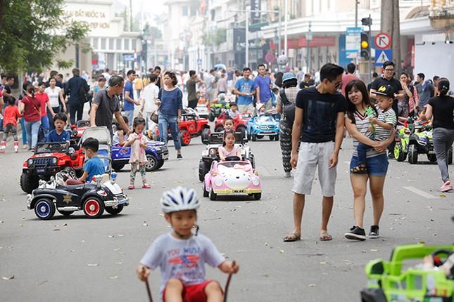 Kiếm tiền triệu mỗi ngày nhờ cho thuê ô tô điện Trung Quốc ảnh 2