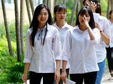 Thứ trưởng Bùi Văn Ga nói gì về gần 4.000 điểm 10 thi THPT ảnh 1