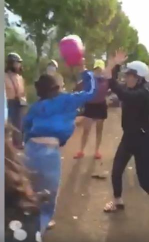 Những vụ học sinh đánh nhau kinh hoàng như phim hành động ảnh 2