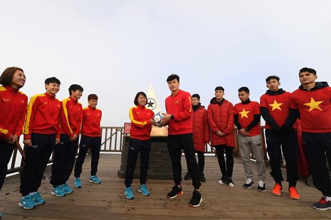 U23 Việt Nam thượng cờ trên đỉnh Fansipan ảnh 8