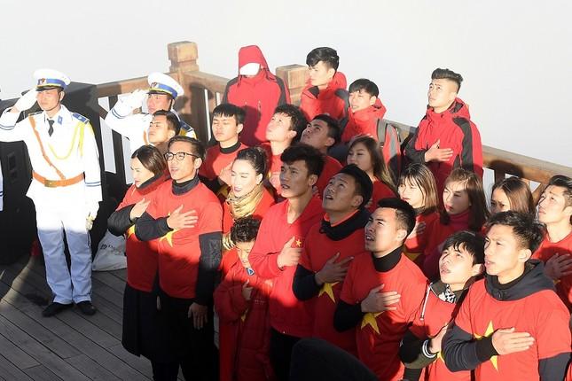 U23 Việt Nam thượng cờ trên đỉnh Fansipan ảnh 5