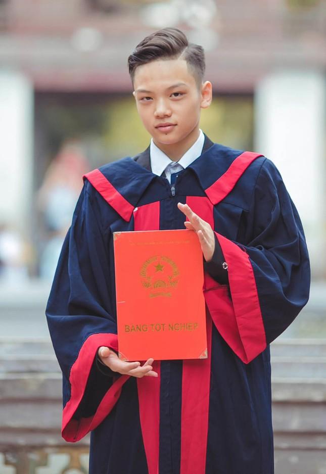 Một lớp có 24 học sinh đỗ trường chuyên ở Hà Nội ảnh 1