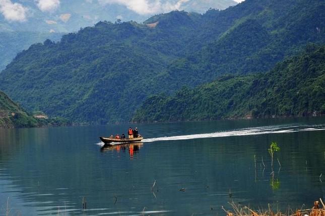 Sông Đà có tên gọi khác là sông gì?