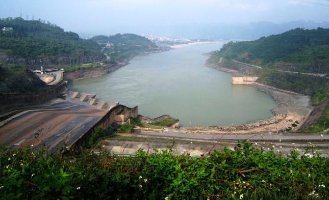 Tại Hòa Bình có công trình phát điện nào lớn nhất Đông Nam Á?