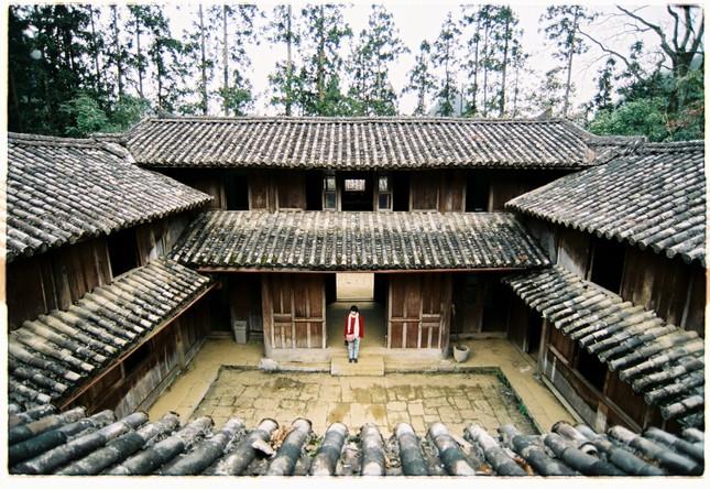 Dinh thự vua Mèo ở xã Sà Phìn (Đồng Văn, Hà Giang) có tên chính thức là gì?