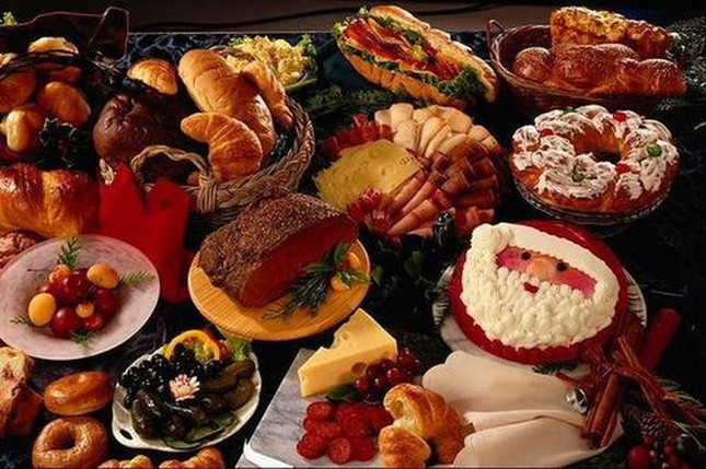 Món ăn phổ biến trong tiệc giáng sinh là gì?