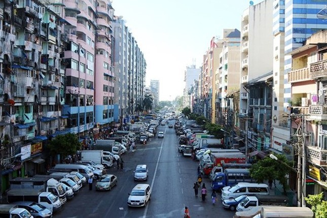 Yangon nổi tiếng là thành phố?