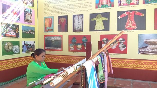 Các hoạt động văn hóa Chăm đặc sắc dịp Tết cổ truyền ảnh 6