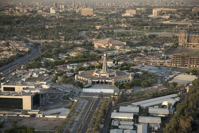 Nền kinh tế Iraq chủ yếu phụ thuộc vào mặt hàng nào?