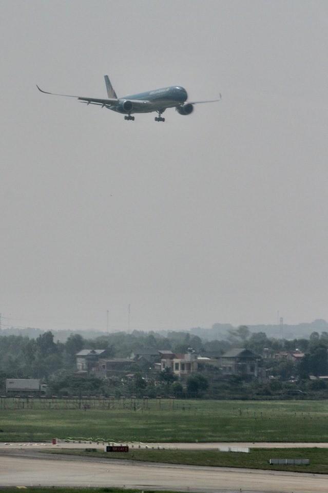 Chuyến bay đặc biệt đưa hơn 100 người mắc COVID -19 ở Guinea Xích đạo về tới Nội Bài ảnh 1