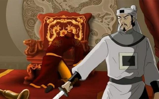 Vua nào của nhà Trần nổi tiếng ăn chơi trác táng, làm đất nước suy kiệt?