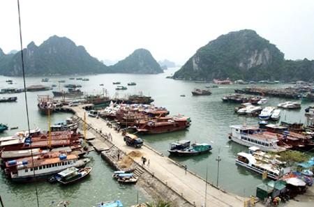 Cảng nào sau đây cảng ngoại thương đầu tiên của Việt Nam?