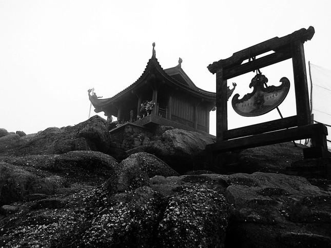 Núi Yên Tử là nơi vua Đại Việt nào đến tu hành và lập ra một phái thiền của Việt Nam?