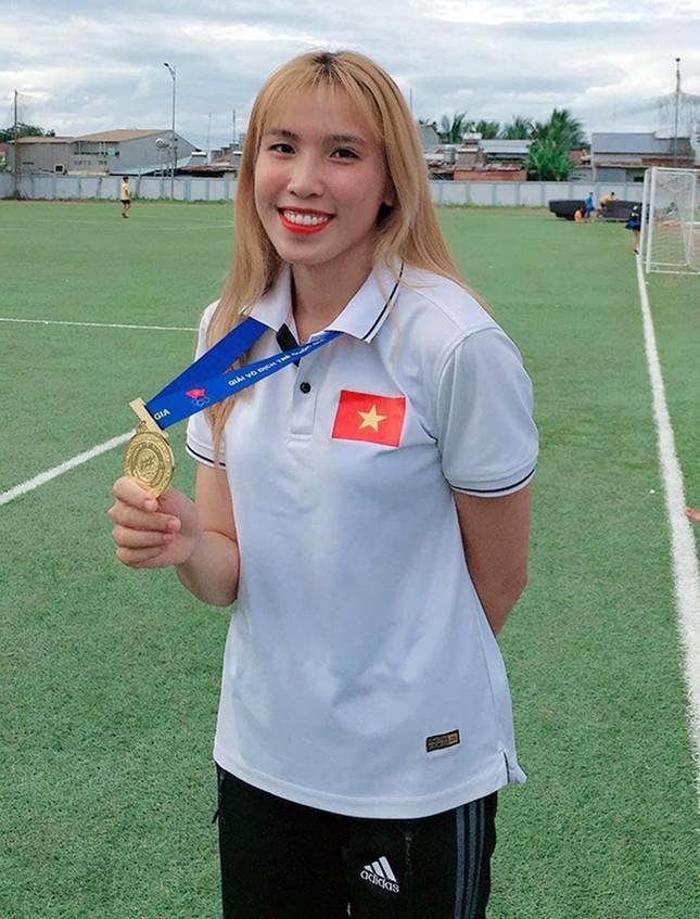 Nữ sinh Đại học Duy Tân đoạt Huy chương Bạc nhảy sào nữ ảnh 2