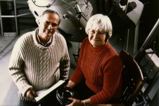 Phi hành gia Eugene còn cùng vợ mình đồng khám phá ra?