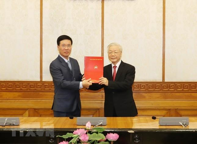 Hình ảnh lễ công bố quyết định phân công Ủy viên Bộ Chính trị ảnh 5