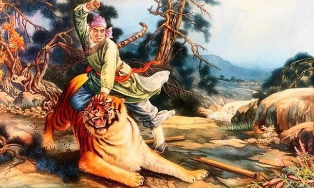 Phùng Hưng đã khởi binh chống lại ách đô hộ của triều đình nhà nào ở phương Bắc để giành nền tự chủ cho Giao Châu?
