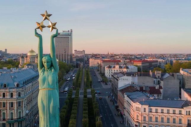 Loài vật nào dưới đây là biểu tượng của Latvia?