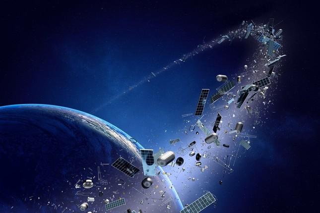 Nước nào đang nghiên cứu vệ tinh để vớt rác vũ trụ?