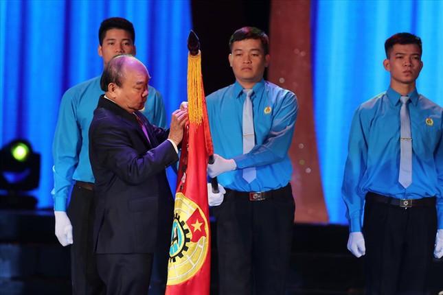 Để ghi nhận công lao to lớn của tuổi trẻ Việt Nam, Đảng và Nhà nước đã tặng cho Đoàn và phong trào thanh niên nước ta mấy huân chương Hồ Chí Minh?