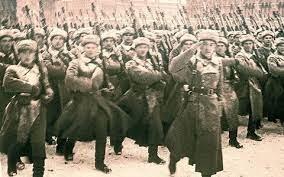 Ba đồng chí lớp đầu tiên của Đoàn hy sinh trong các trận đánh quyết liệt chống phát xít Đức ở Nam Mát-xcơ-va (trong đội hình Sư đoàn quốc tế bảo vệ Liên xô) là ai?