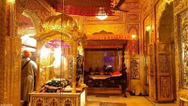 Đây là ngôi đền vàng của tôn giáo nào?