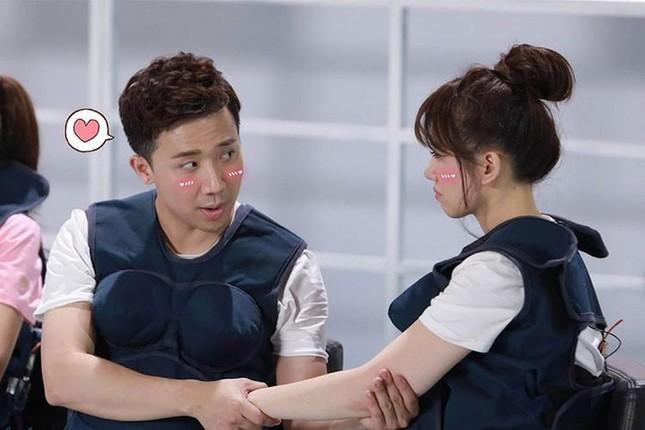 Những khoảnh khắc 'tình bể bình' của cặp đôi từng gây tranh cãi nhất showbiz Việt ảnh 3