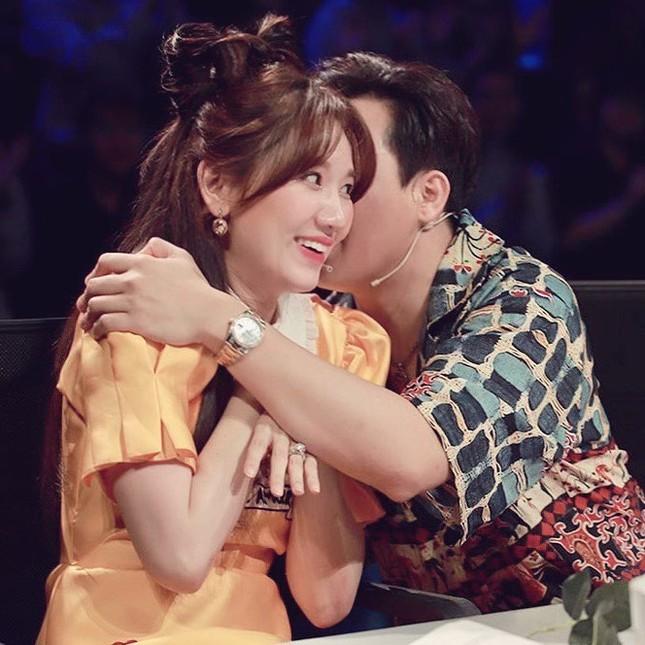 Những khoảnh khắc 'tình bể bình' của cặp đôi từng gây tranh cãi nhất showbiz Việt ảnh 7