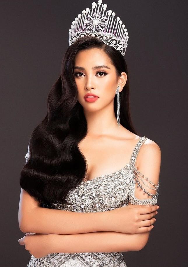 Tiểu Vy nhắn nhủ điều gì tới các thí sinh dự thi Hoa hậu Việt Nam năm nay? ảnh 1