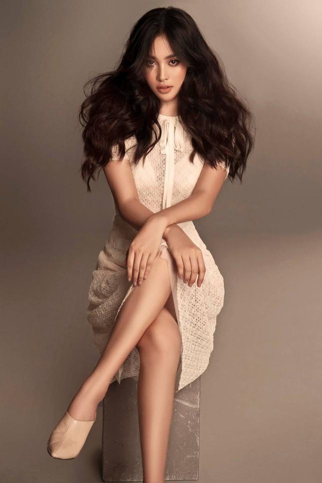 Tiểu Vy nhắn nhủ điều gì tới các thí sinh dự thi Hoa hậu Việt Nam năm nay? ảnh 2