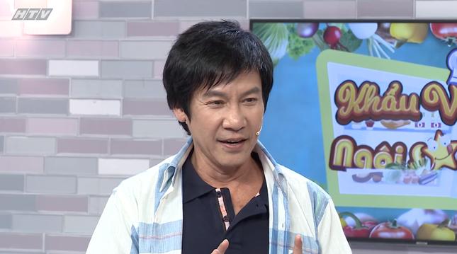 Diễn viên Lê Huỳnh dành lời khen có cánh cho bà xã kém 30 tuổi trên sóng truyền hình ảnh 1