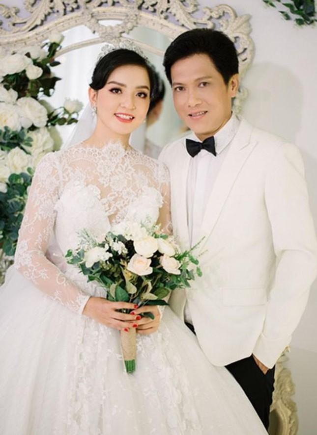 Nghệ sĩ Trọng Nghĩa lấy vợ kém gần 30 tuổi: Yêu 3 năm gặp 1 lần, 3 lần ghen chấn động ảnh 3
