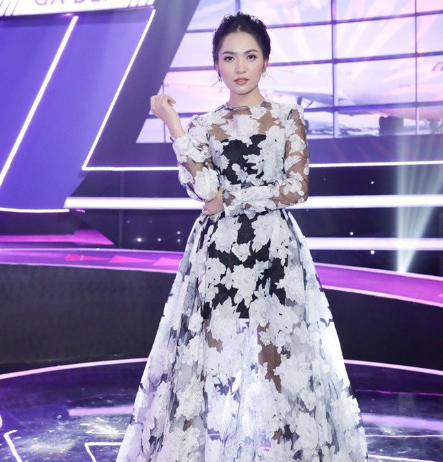 Hari Won bị đạo diễn nổi tiếng 'đá xéo': 'Ngồi trên ngai vàng mà phán, chỉ tay 5 ngón' ảnh 1