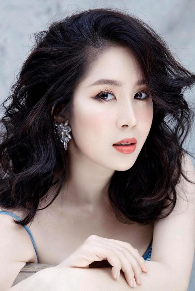 Nỗ lực giảm tận 30kg, diễn viên Lê Phương tự tin thả dáng nuột nà bên bể bơi ảnh 5