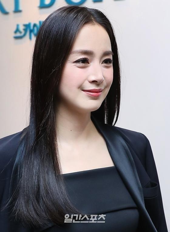 Kim Tae Hee tái xuất với hình ảnh mới sau khi bị bóc trần nhan sắc già nua ở tuổi 40 ảnh 4
