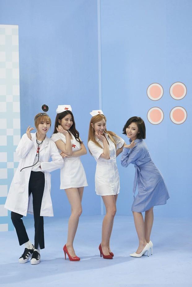 Jennie (Blackpink) hoá y tá gợi cảm trong MV mới giữa dịch COVID-19, bị chỉ trích mạnh mẽ ảnh 4