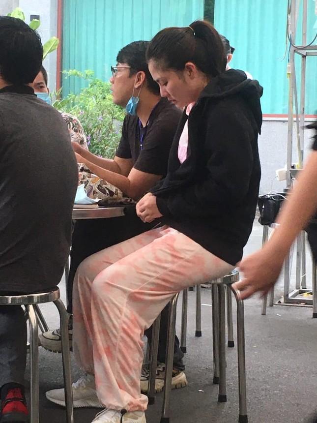 Ngọc Lan lên tiếng khi mặc trang phục màu hồng tới lễ tang nghệ sĩ Chí Tài ảnh 1