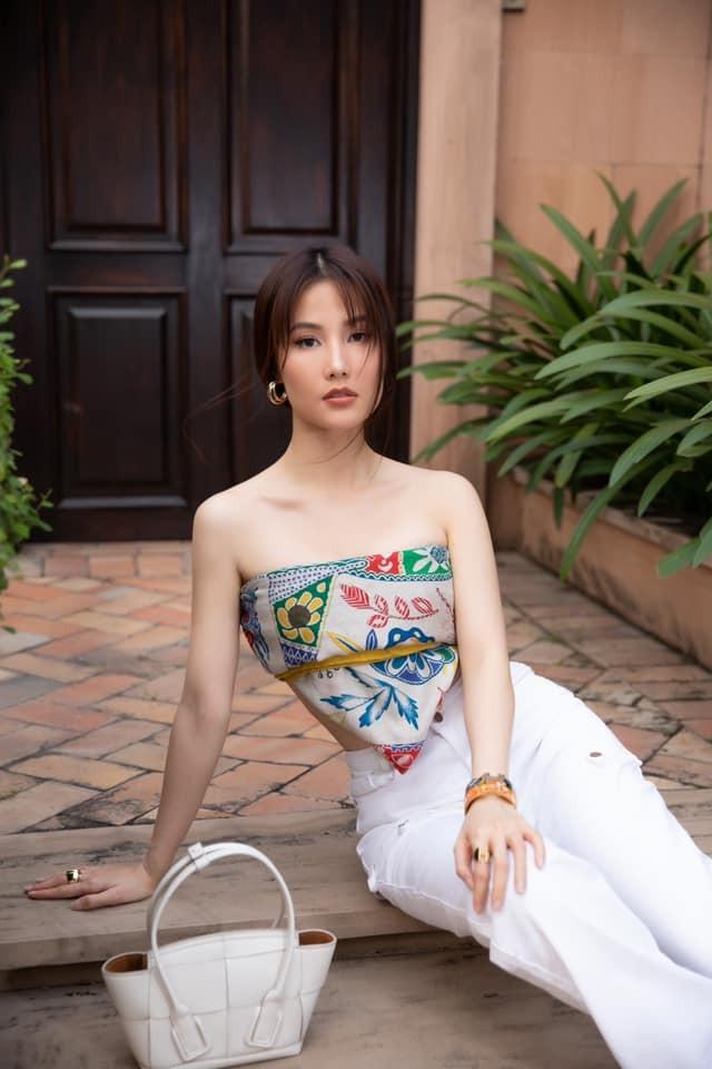 Mỹ nhân Việt khoe sắc vóc sau Tết, Lệ Quyên, Ngọc Trinh... giữ dáng đáng mơ ước ảnh 7