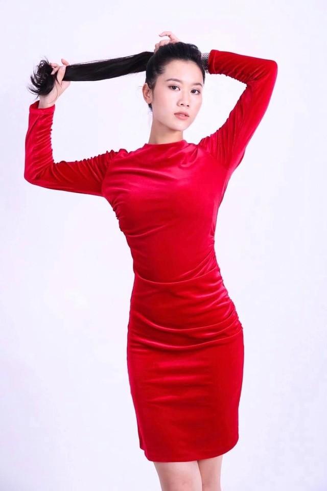 Nhan sắc nữ MC, diễn viên người Việt thắng giải tại Liên hoan phim Quốc tế Paris ảnh 3
